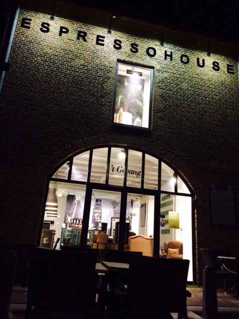 EspressoHouse Doetinchem by night