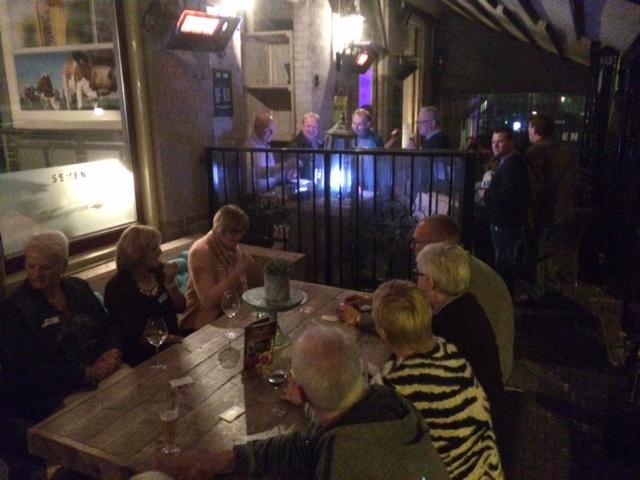 Op het verwarmde terras van Grand-Cafe Seven, Vriezenveen okt.'15