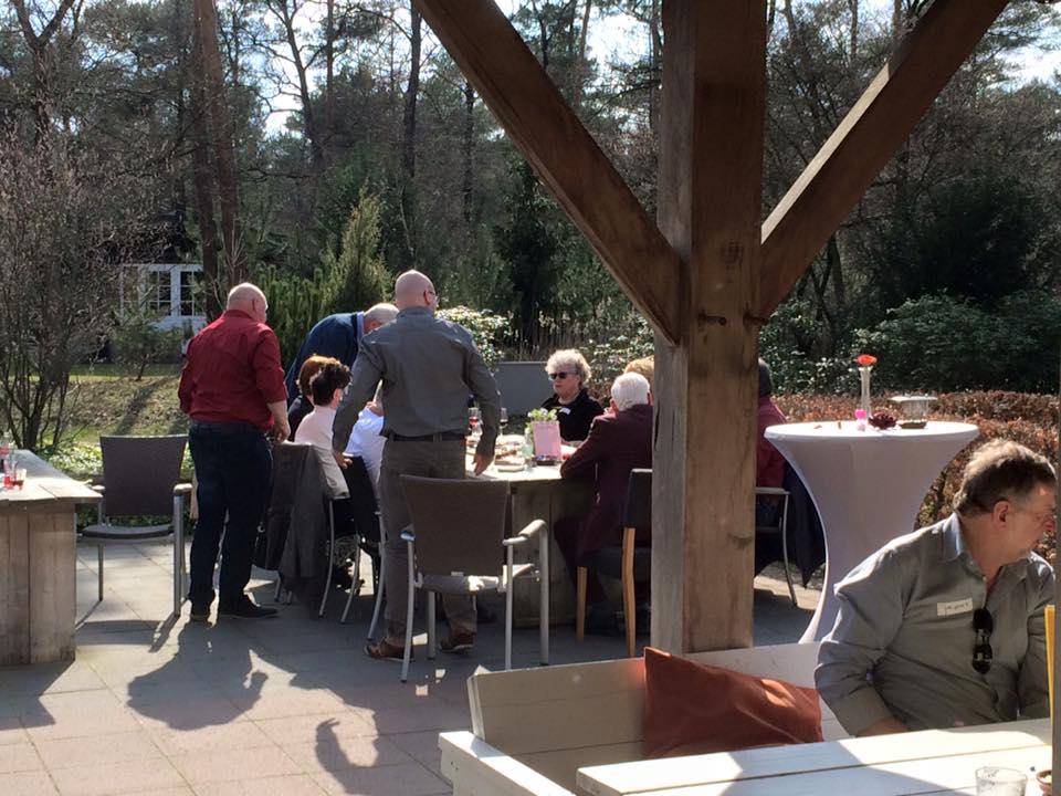 Iedere 1e zondagmiddag v.d maand singlescafe in de bistro (of op het terras) van OutdoorsHolten.nl