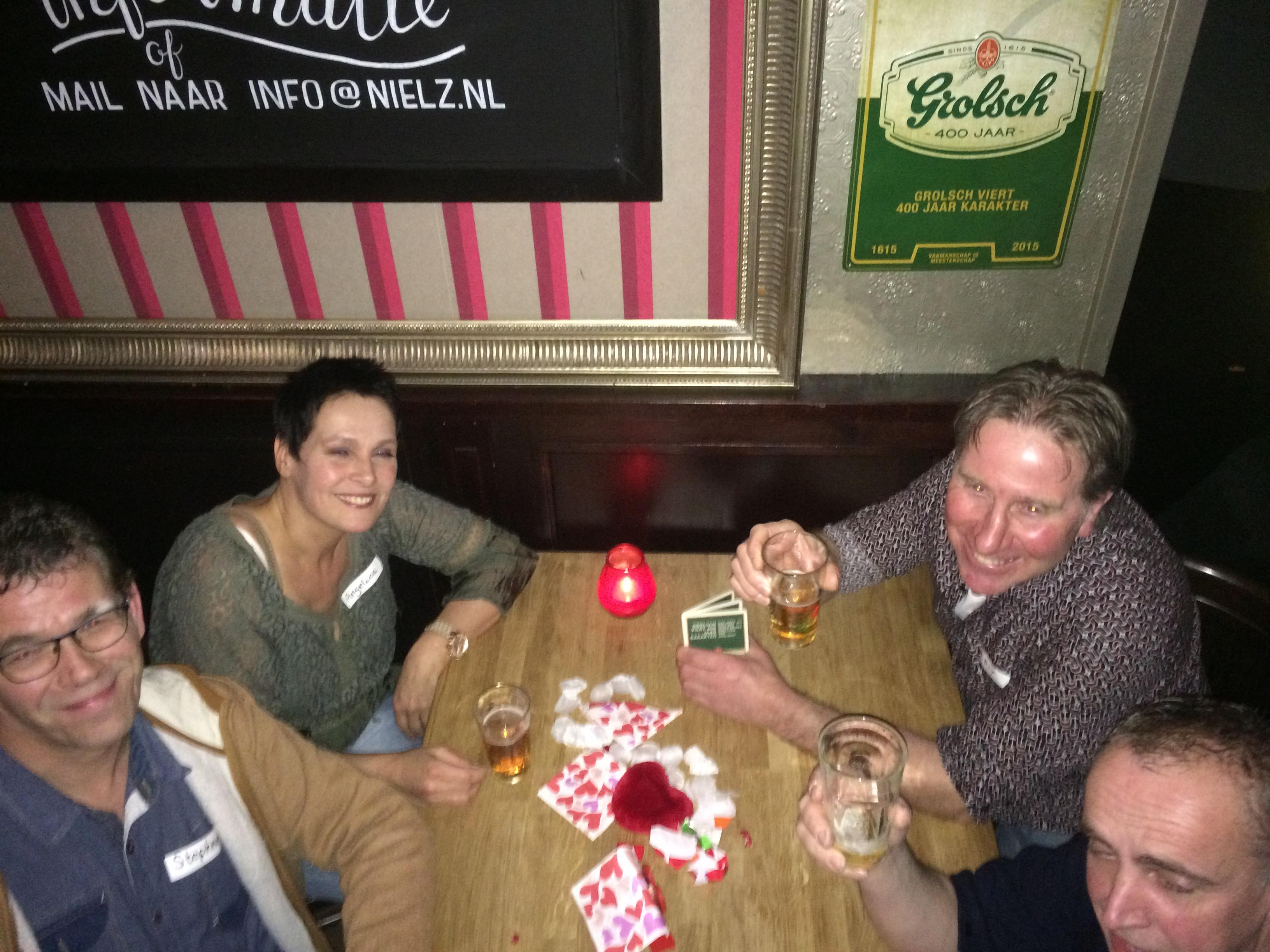 Singlescafe in teken van Valentijn bij cafe NielZ Almelo