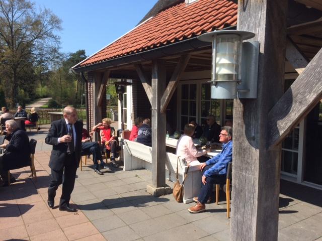 Iedere 1e zondagmiddag v.d maand 50+singlecafe in de bistro (of op het terras) van Outdoors Holten.