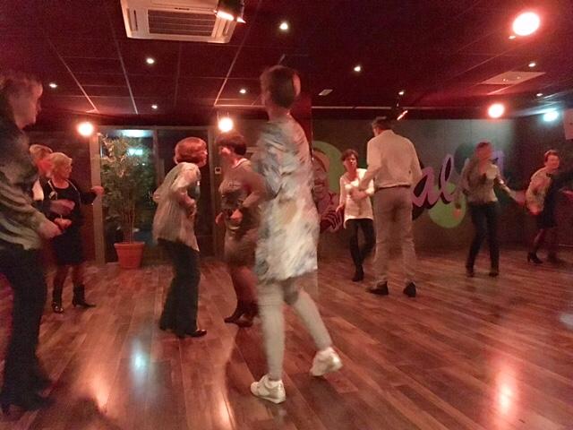 40+singlecafe met salsa workshop bij El Centro De La Salsa Hengelo  mrt 2017